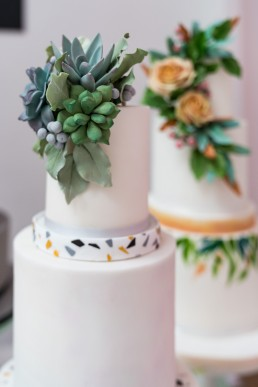 detail shot of @pinkcocoa cakes at the indie wedding fair