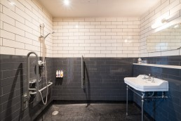 accessible bathroom at Aragon House