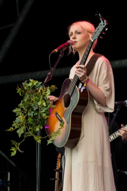 Laura Marling Glastonbury 2017